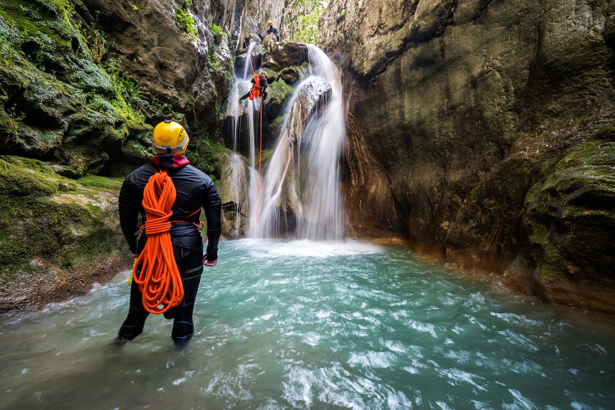 liste des équipements de canyoning