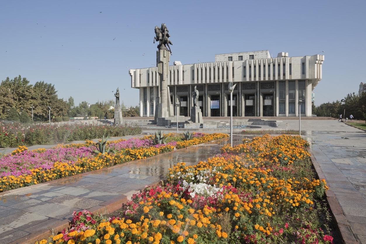 Bişkek Manas Anıtı