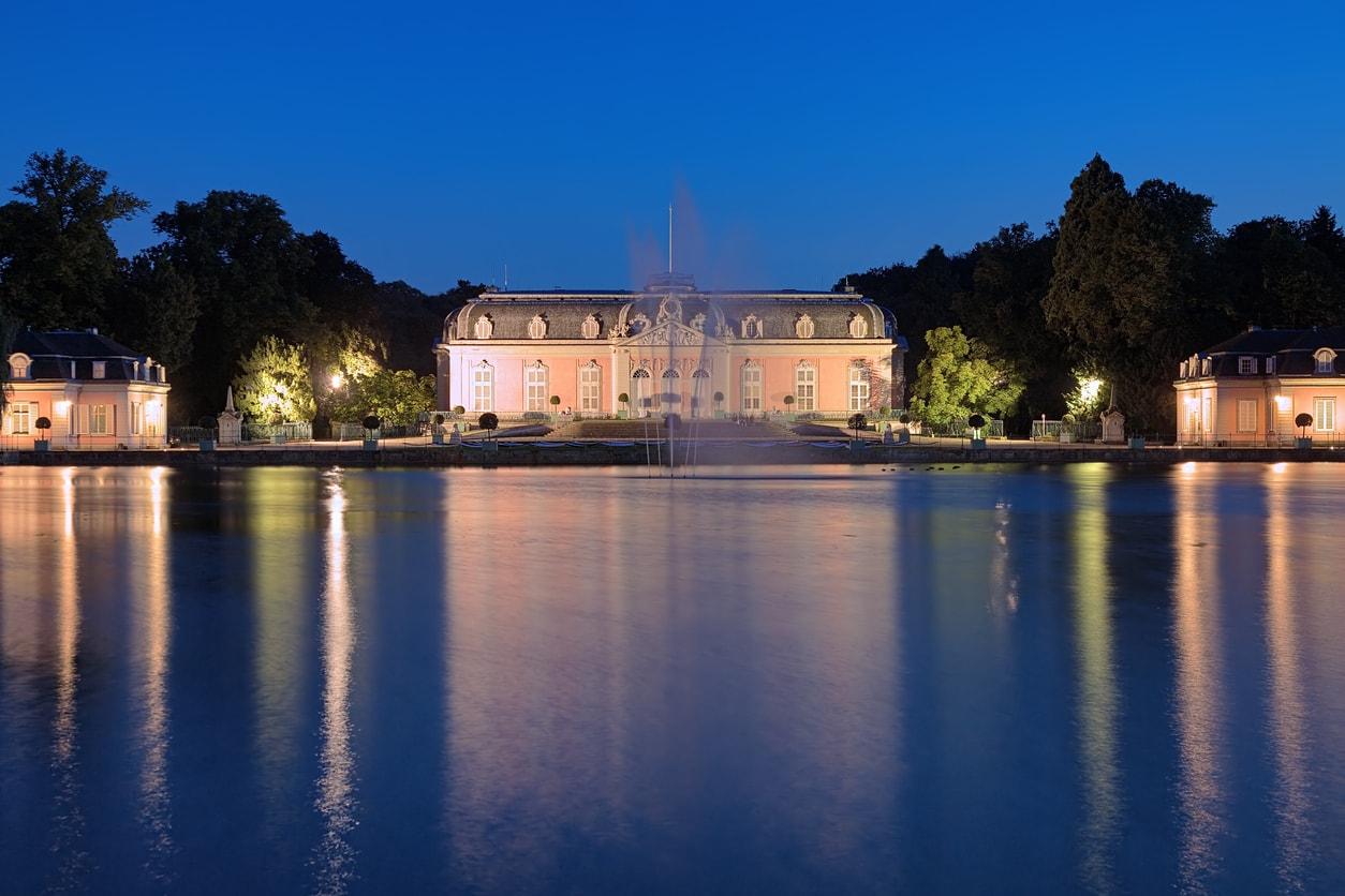 Dusseldorf Benrath Sarayı