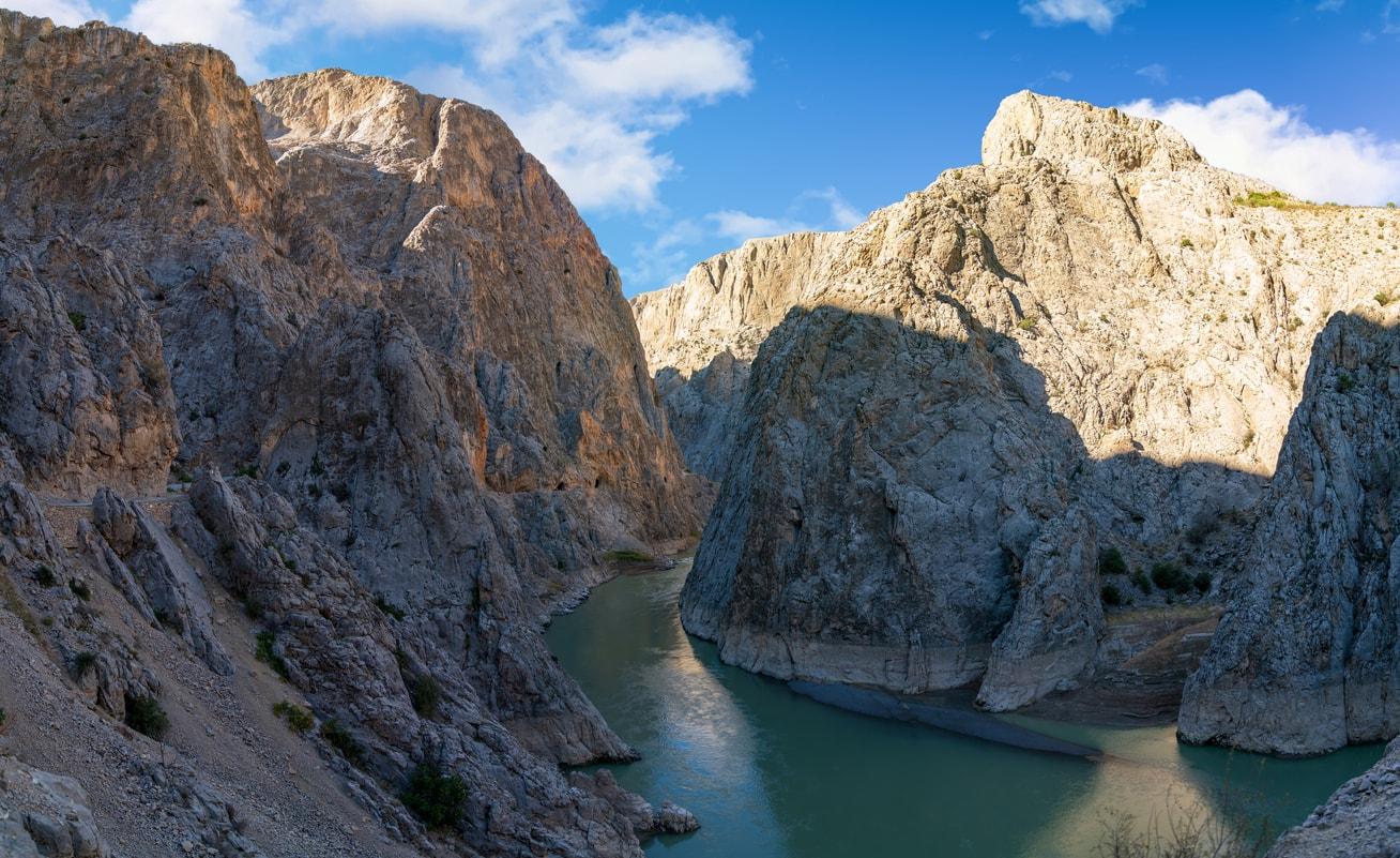 Erzincan karanlık kanyon