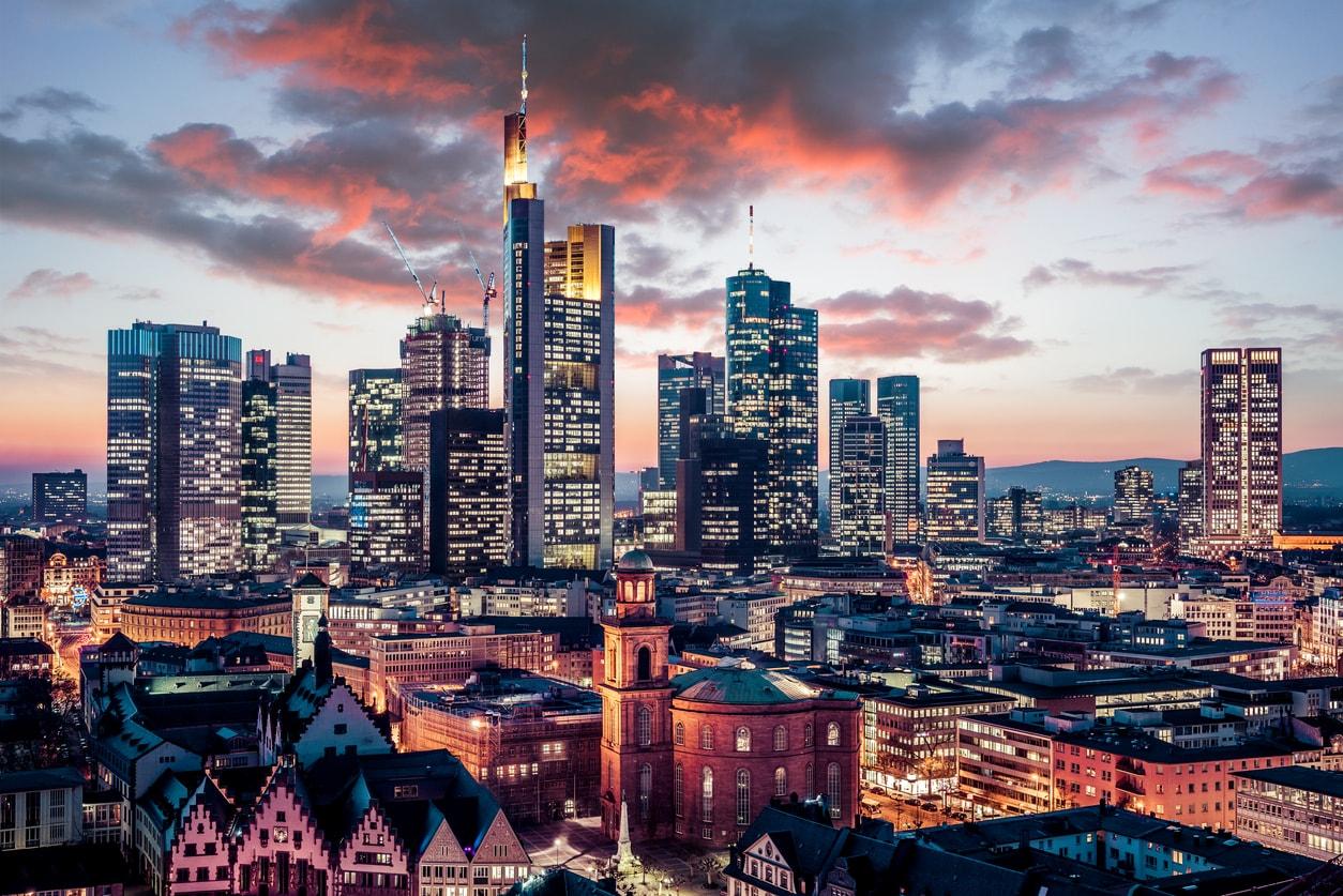 Frankfurt şehri gece hayatı