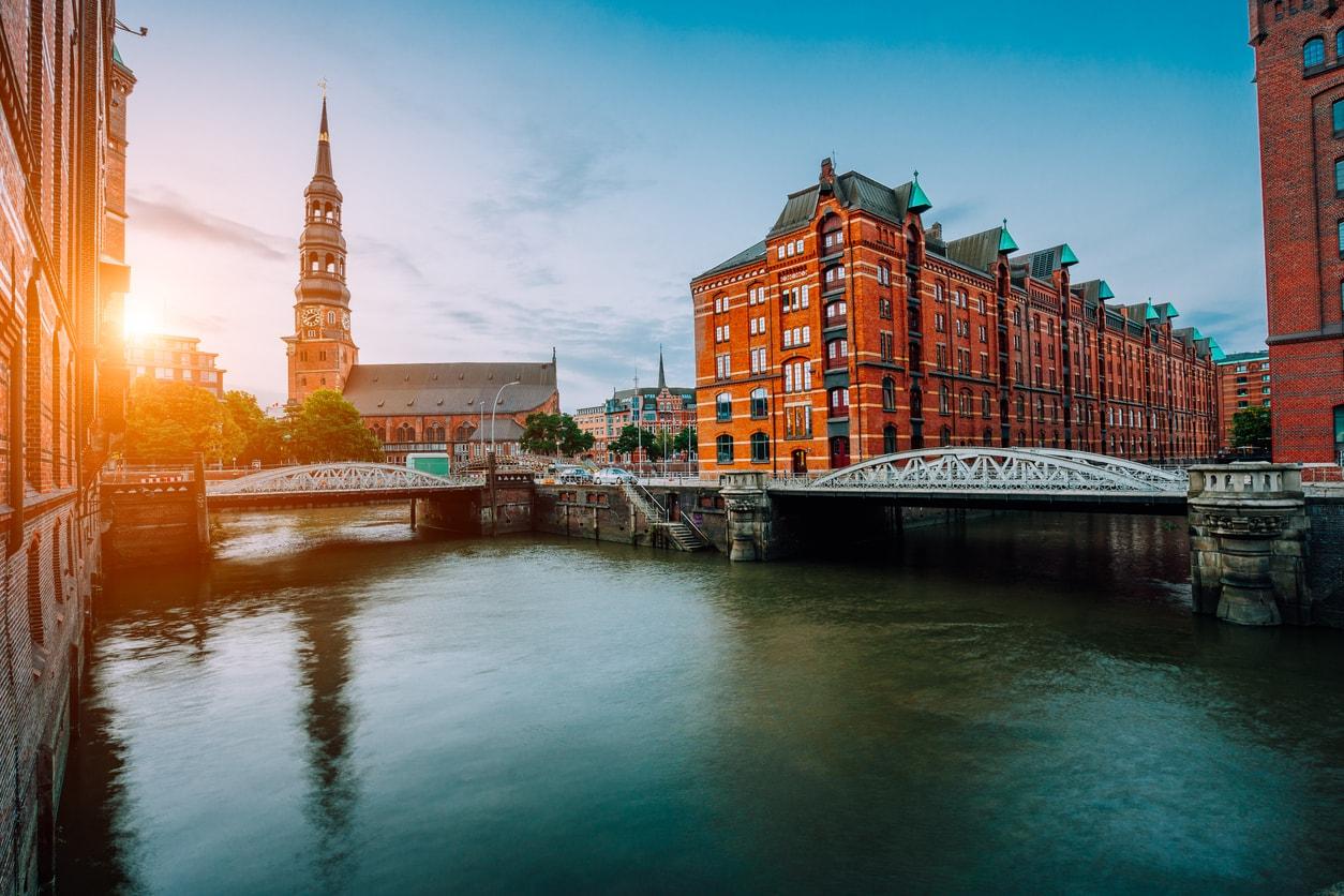 Hamburg nerede kalınır
