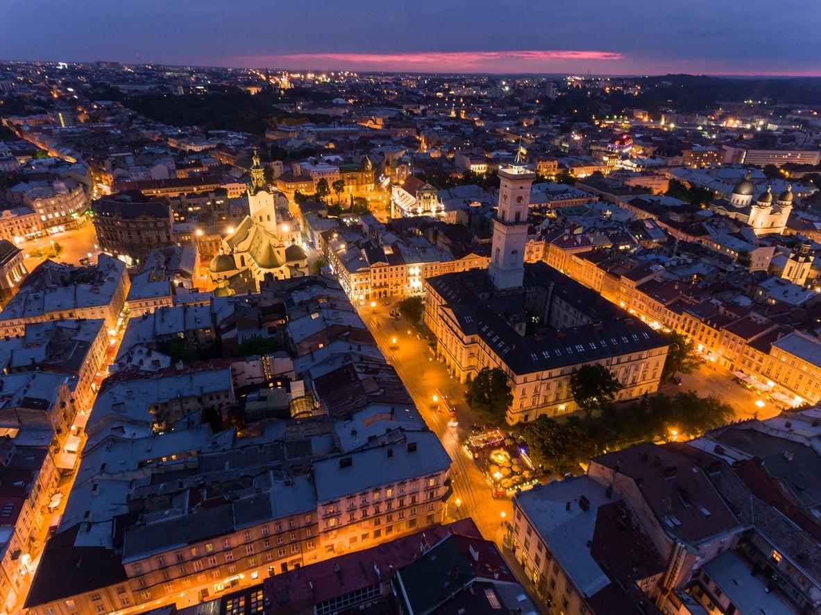 Lviv şehri gece hayatı