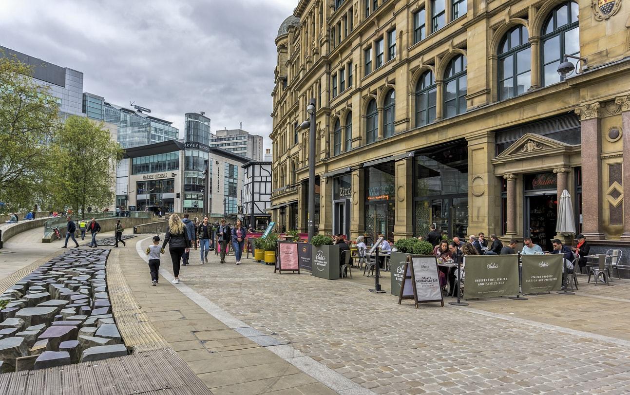 Manchester Alışveriş