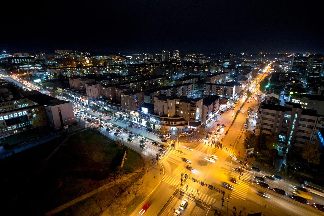 Pristine şehri gece hayatı