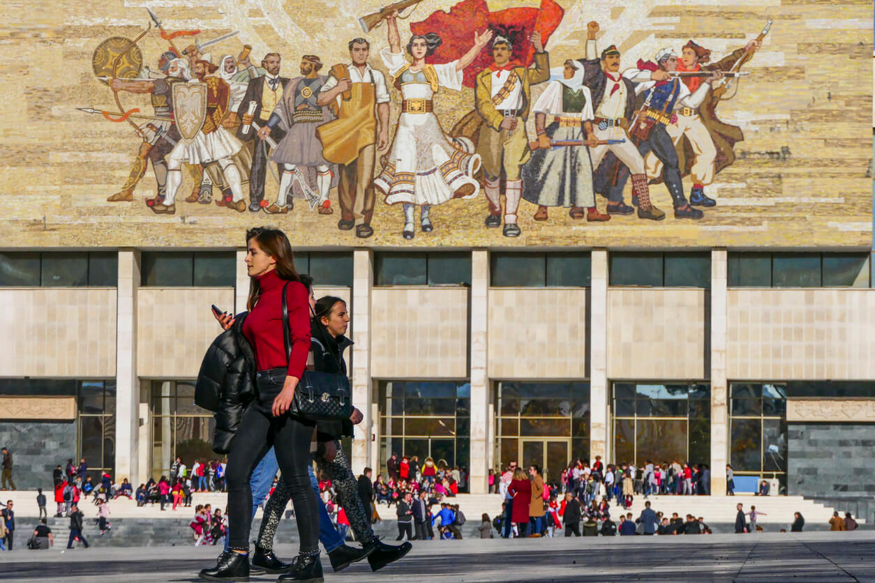 Tiran Skanderbeg Meydanı Mural