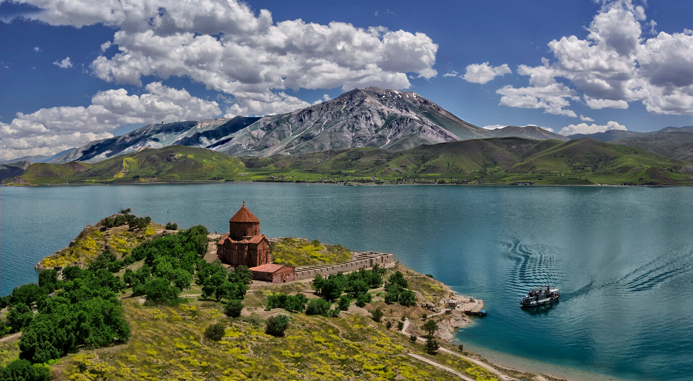 van gölü ve akdamar adası