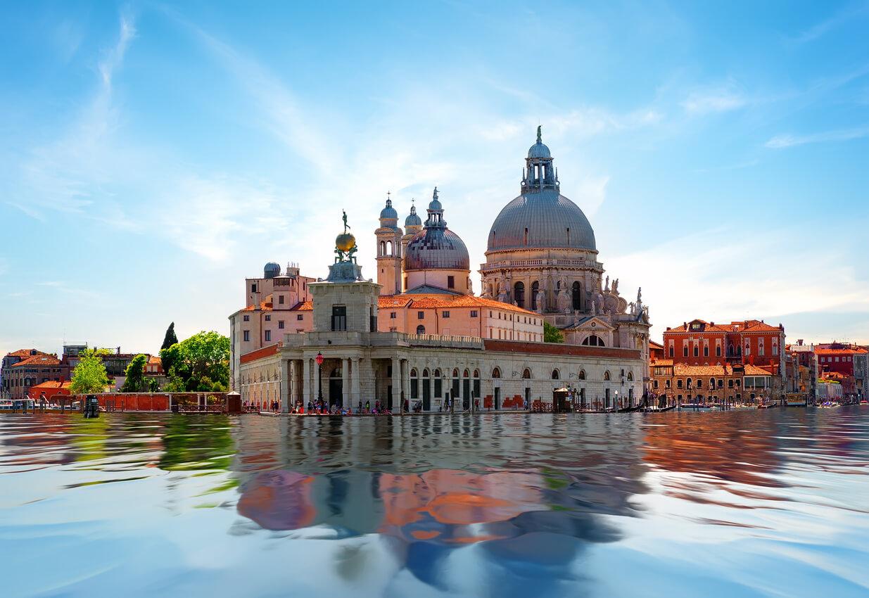 Venedik nerede kalınır?