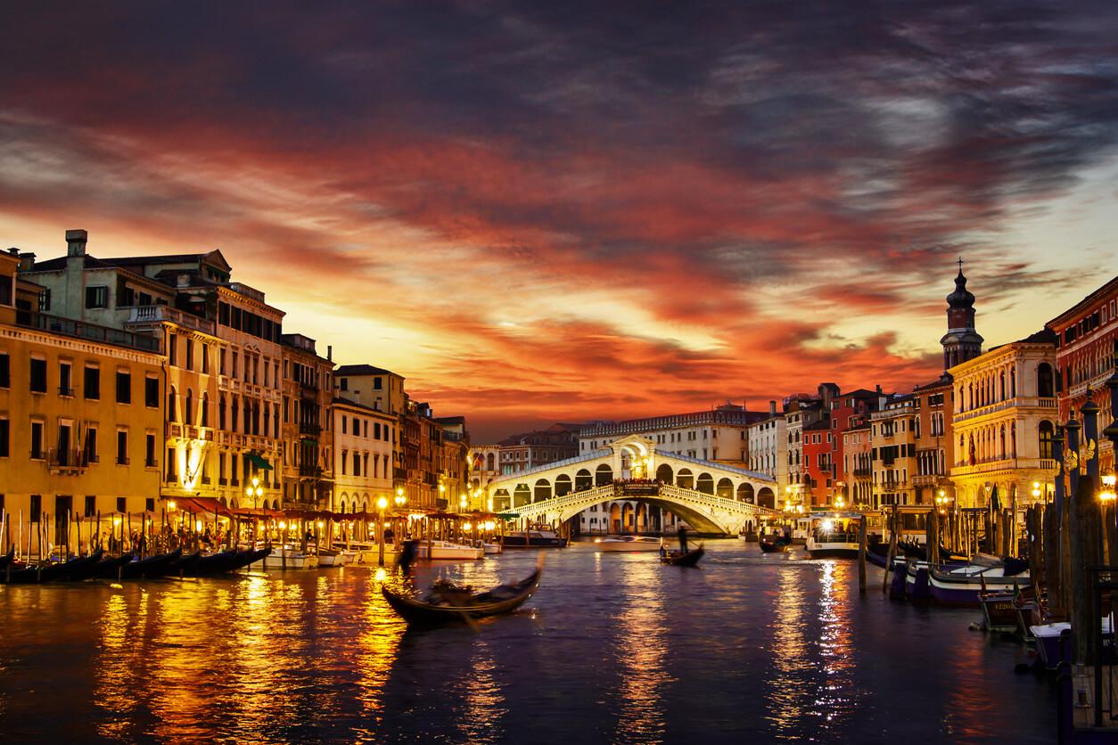 Venedik gece hayatı